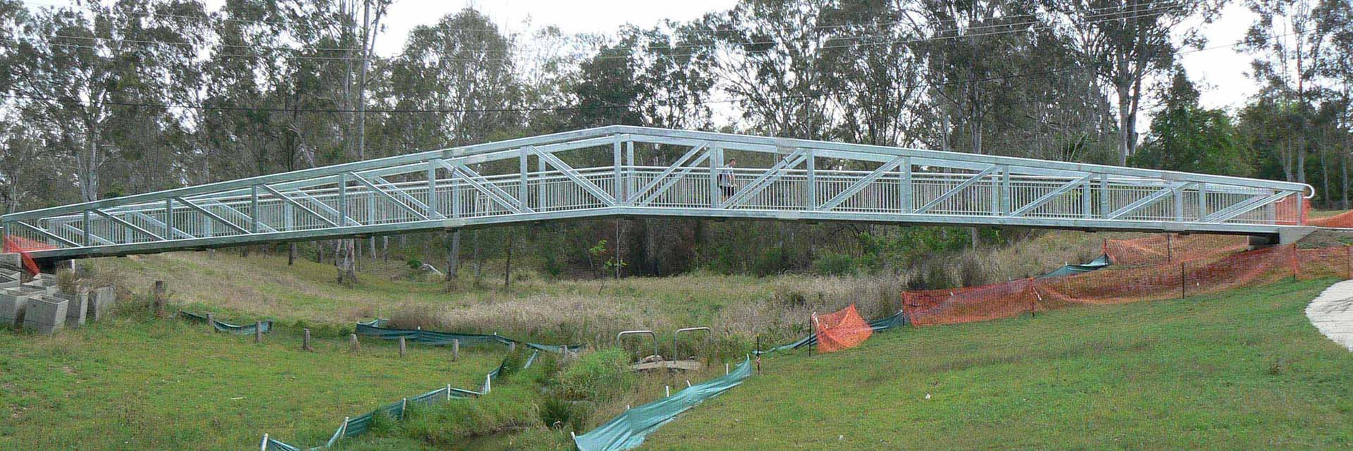 Steel Pedestrian Truss Bridge, Double Apex, Span 42metres – Rice Road, Ipswich.